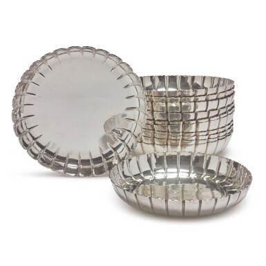 A SET OF SIX GEORGE V SILVER STRAWBERRY DISHES, CRICHTON BROTHERS, LONDON, 1930