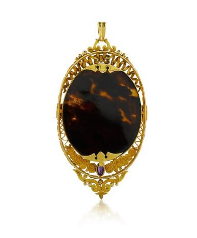 View 2. Thumbnail of Lot 30. Pendentif ivoire, écaille de tortue et diamants   Ivory, tortoiseshell and diamond pendant.