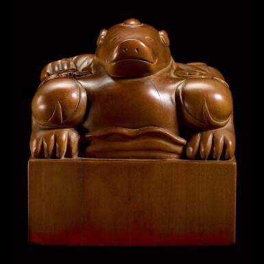 View 4. Thumbnail of Lot 3602. An exceptional imperial tanxiangmu 'Jingtian Qinmin' seal Qing dynasty, Kangxi period | 清康熙 康熙帝御寶檀香木異獸鈕方璽 印文:敬天勤民.