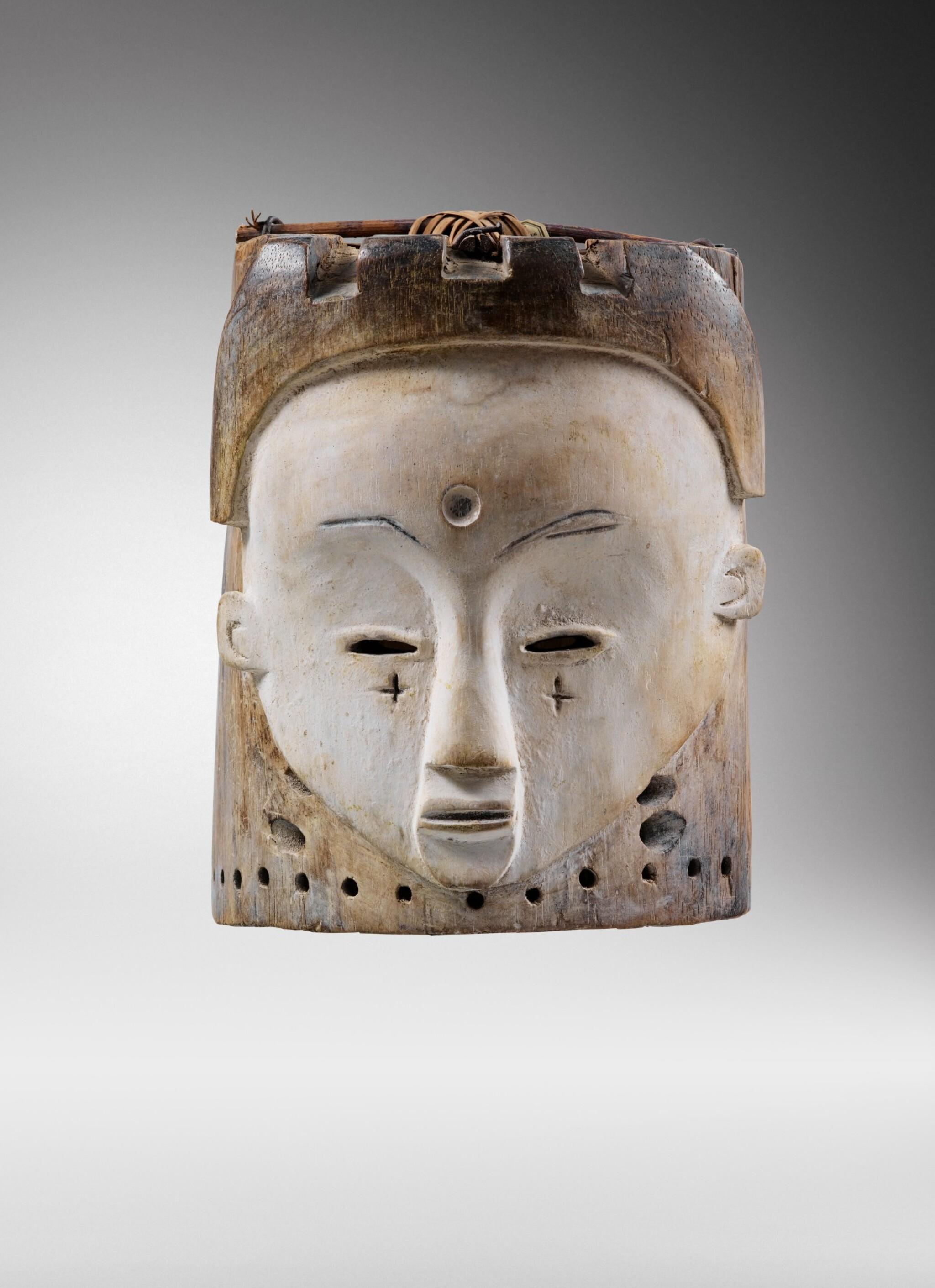 View full screen - View 1 of Lot 43. Masque heaume Janus, Fang, Gabon | Helmet Janus mask, Fang, Gabon.