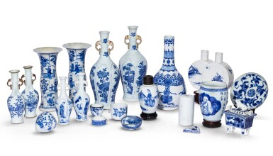 View 1. Thumbnail of Lot 185. Ensemble de porcelaines bleu blanc Dynastie Qing, XVIIIE et XIXE siècle | 清十八及十九世紀 青花瓷器 一組二十 一件 | A group of twenty-one blue and white wares, Qing Dynasty, 18th and 19th century.