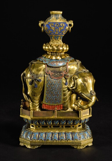 A GILT-BRONZE, CLOISONNE AND CHAMPLEVE ENAMEL 'ELEPHANT AND VASE' GROUP QING DYNASTY, QIANLONG PERIOD | 清乾隆 掐絲及鏨胎琺瑯太平有象
