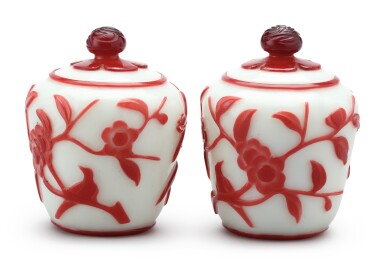 View 2. Thumbnail of Lot 1023. A PAIR OF RED OVERLAY WHITE GLASS JARS AND COVERS,  QING DYNASTY.