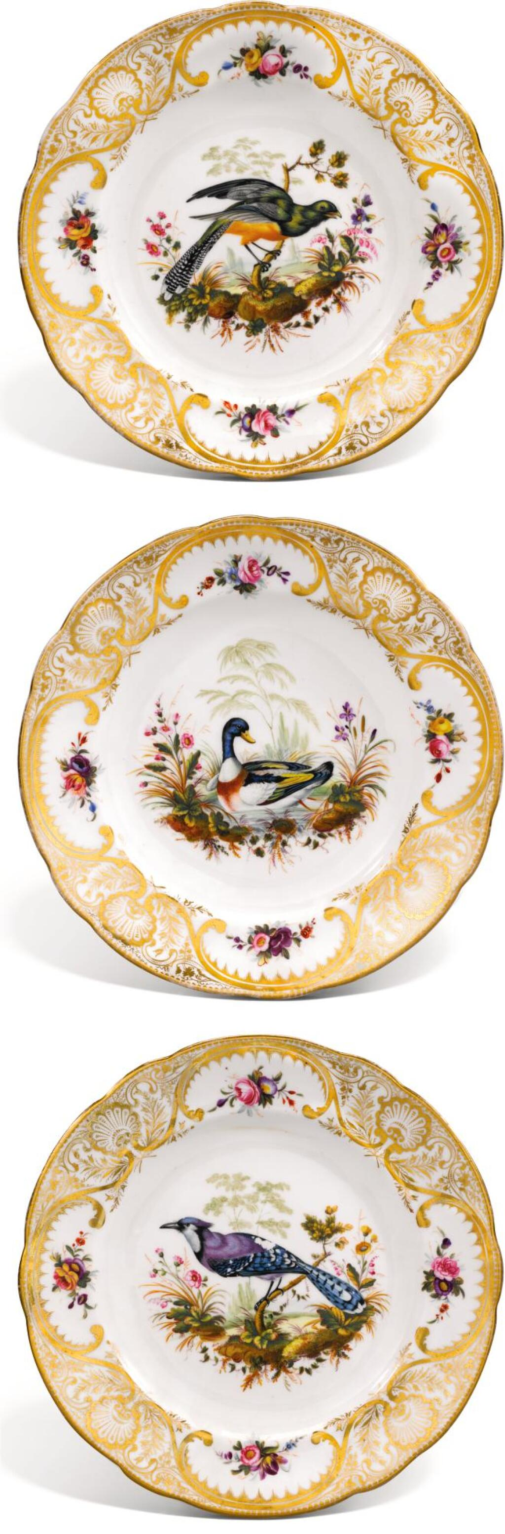 THREE NANTGARW PLATES, CIRCA 1820