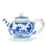 A BLUE AND WHITE 'BOYS' TEAPOT AND COVER LATE MING DYNASTY | 明末 青花庭園嬰戲圖茶壺