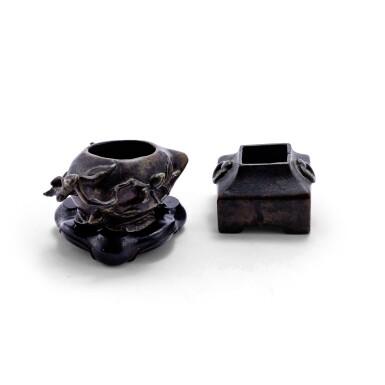 View 3. Thumbnail of Lot 73. Deux petits brûle-parfums en bronze XVIIE-XVIIIE siècle | 十七至十八世紀 銅桃式及四方小香爐一組兩件 | A small bronze 'peach' incense burner and a bronze archaistic square incense burner, 17th - 18th century.
