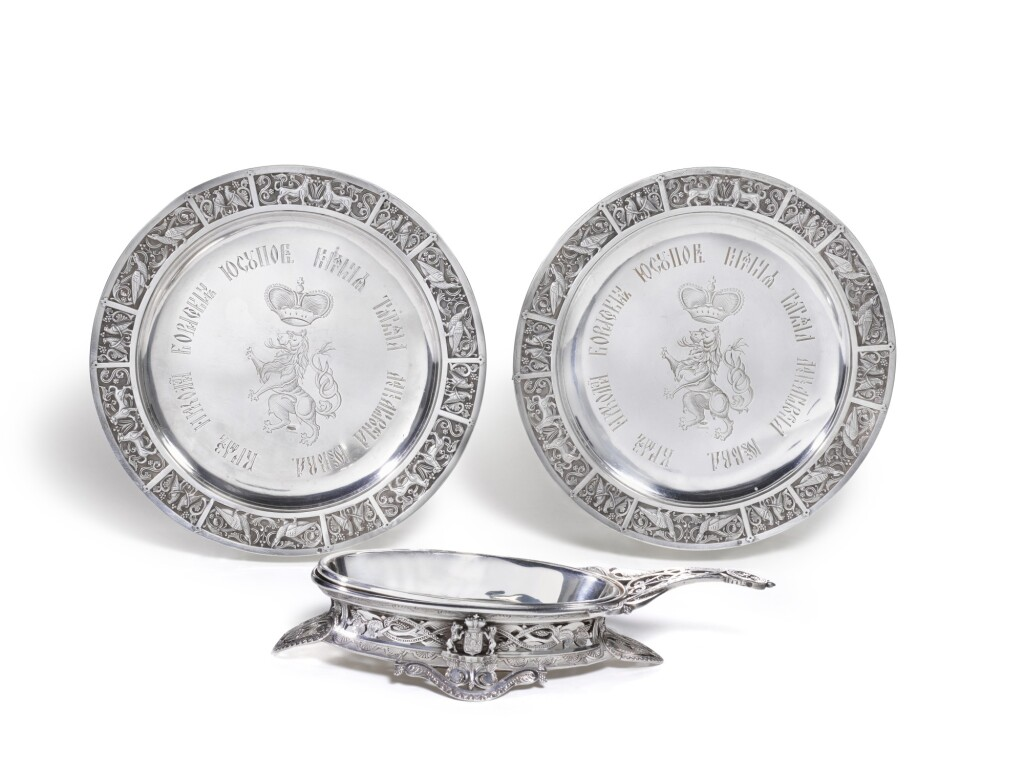 THE YUSUPOV SCANDINAVIAN SERVICE: A PAIR OF FRENCH SILVER PLATES AND A SILVER SERVING DISH, ALEXANDRE GUEYTON, PARIS, 1842-63