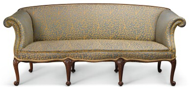 A GEORGE III STYLE CARVED MAHOGANY AND UPHOLSTERED SOFA, LATE 19TH/EARLY 20TH CENTURY, IN THE MANNER OF JOHN COBB
