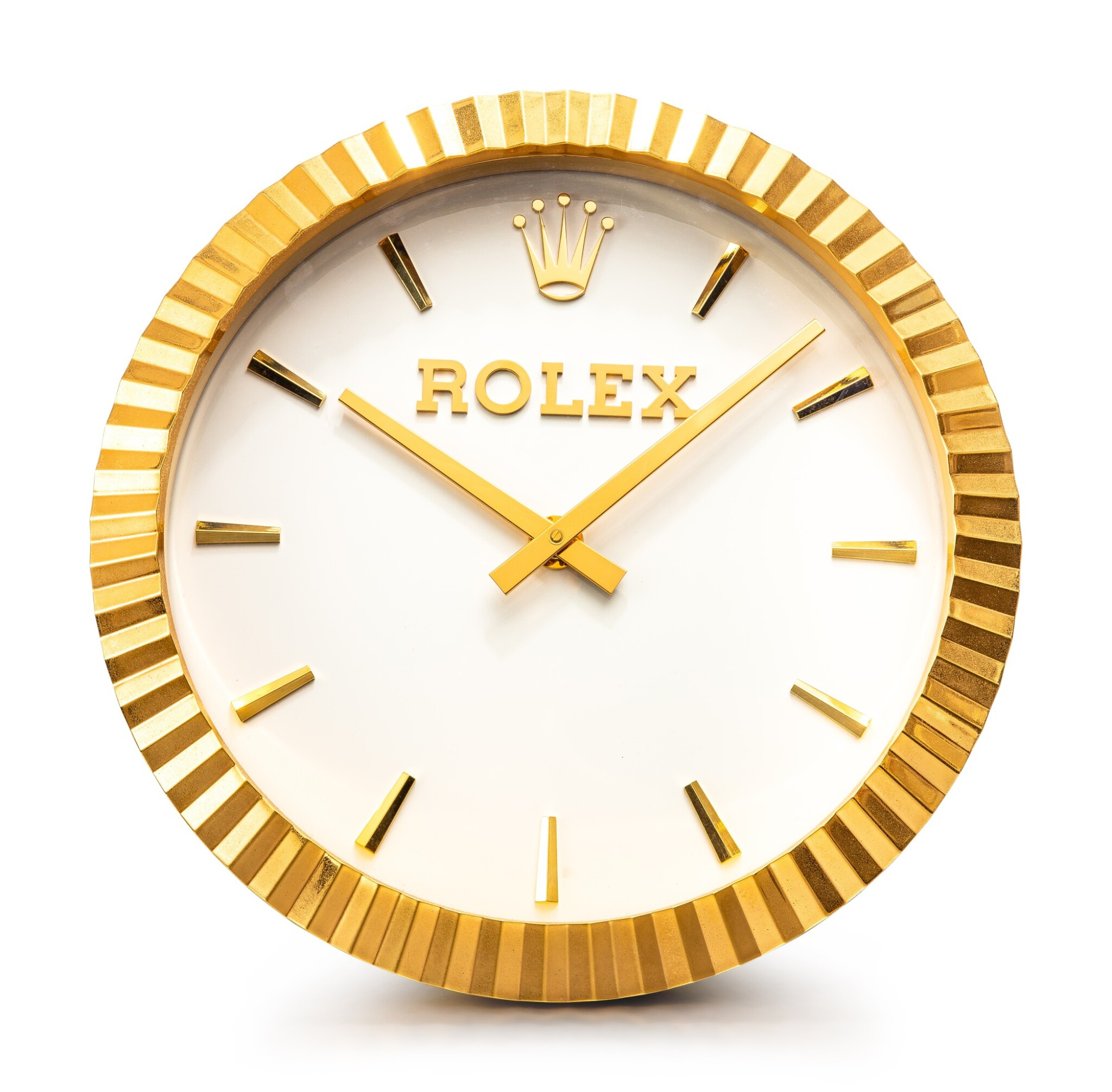 View full screen - View 1 of Lot 8058. ROLEX, MANUFACTURED BY INDUCTA   A GILT BRASS WALL CLOCK, CIRCA 2010    勞力士,由 INDUCTA 製作   鍍金銅製掛鐘,約2010年製.