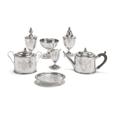 AN AMERICAN SILVER SIX-PIECE TEA SET, VAN VOORHIS & SCHANCK, NEW YORK, CIRCA 1790-1800