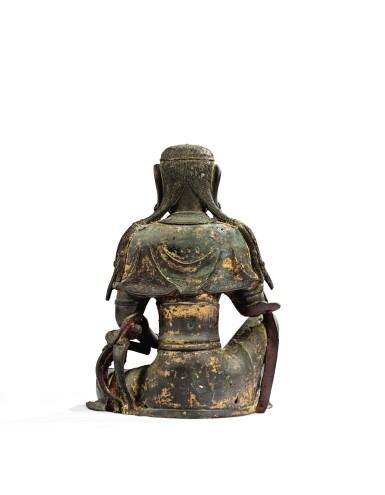 View 4. Thumbnail of Lot 14. IMPORTANTE ET TRÈS RARE PAIRE DE STATUETTES DE BODHISATTVA EN BRONZE PARTIELLEMENT DORÉ XIVE SIÈCLE | 十四世紀 鎏金銅菩蕯坐像一對 連   清十八世紀 漆金木雕須彌座一對| An important and very rare pair of parcel-gilt bronze figures of Bodhisattva, 14th century; together with a pair of lacquer-gilt thrones, Qing Dynasty, 18th century.