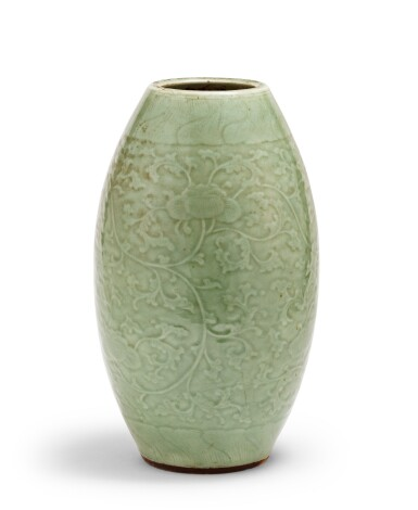 View 1. Thumbnail of Lot 9. Vase ovoïde de type Longquan céladon Dynastie Qing, XVIIIE siècle | 清十八世紀 青釉纏枝蓮紋橄欖瓶 | An ovoid Longquan-type celadon-glazed vase, Qing Dynasty, 18th century .