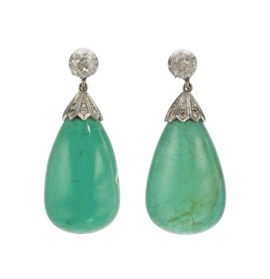 PAIR OF EMERALD AND DIAMOND EARRINGS, EARLY 20TH CENTURY
