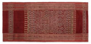 View 2. Thumbnail of Lot 50. Tissu cérémoniel pua, Iban, Borneo, Indonesia, début du 20e siècle | Sacred ceremonial cloth pua, Iban, Borneo, Indonesia, early 20th century.