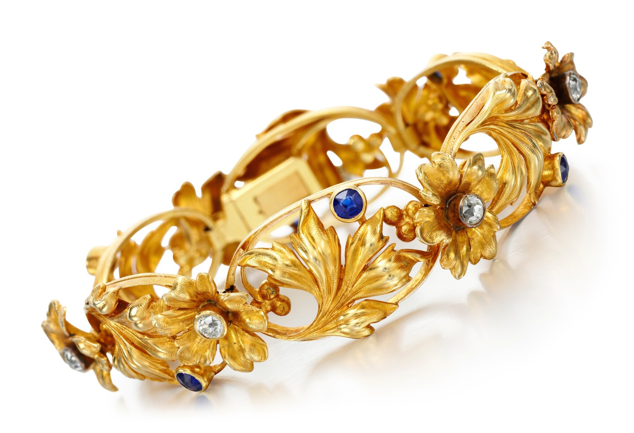 View full screen - View 1 of Lot 220. SAPPHIRE AND DIAMOND BRACELET.