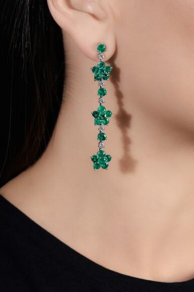 View 4. Thumbnail of Lot 713. Graff | Pair of emerald and diamond pendent earrings | 格拉夫 | 祖母綠配鑽石耳墜一對.