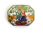 A GOLD AND ENAMELLED BOX DEPICTING KRISHNA AND RADHA, INDIA, PROBABLY JAIPUR, LATE 19TH CENTURY