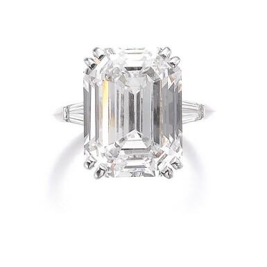 View 1. Thumbnail of Lot 193. ATTRACTIVE DIAMOND RING [鑽石戒指].
