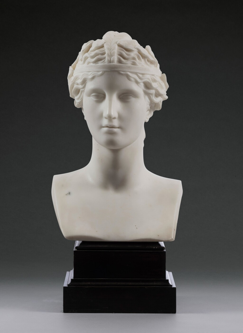 ITALIAN, 19TH CENTURY | BUST OF A WOMAN IN CLASSICAL STYLE