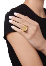 FANCY YELLOW AND COLORED DIAMOND RING | 彩黃色鑽石配彩色鑽石戒指