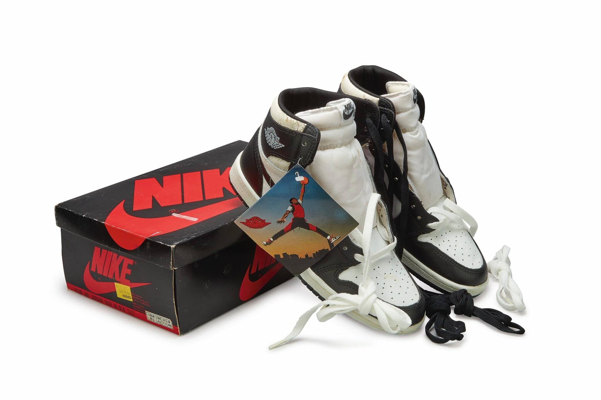 View full screen - View 1 of Lot 11. Nike Air Jordan 1 High OG (1985) 'Black & White'  Size 8.5.