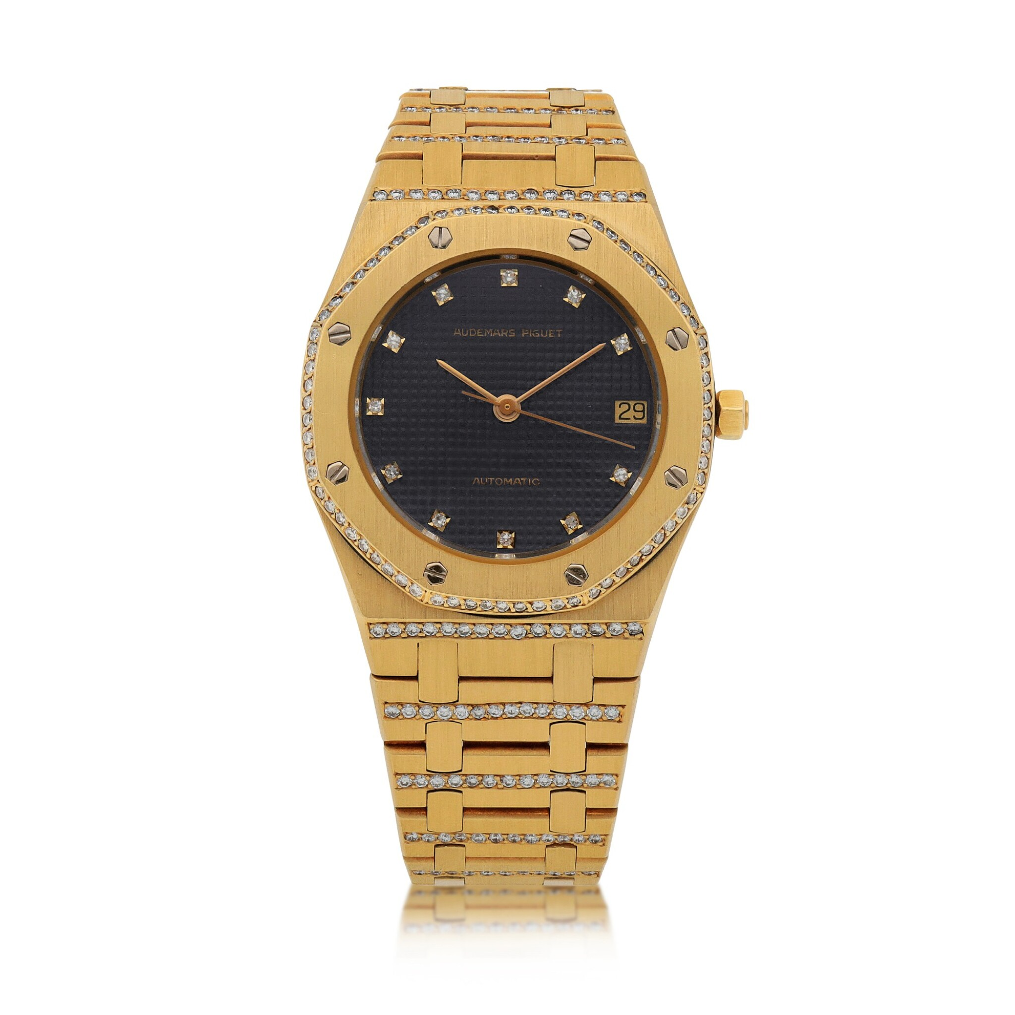 View full screen - View 1 of Lot 519. Royal Oak Yellow gold and diamond-set wristwatch with date and bracelet Circa 1985 | 愛彼 「Royal Oak」黃金鑲鑽石鍊帶腕錶備日期顯示,年份約1985.