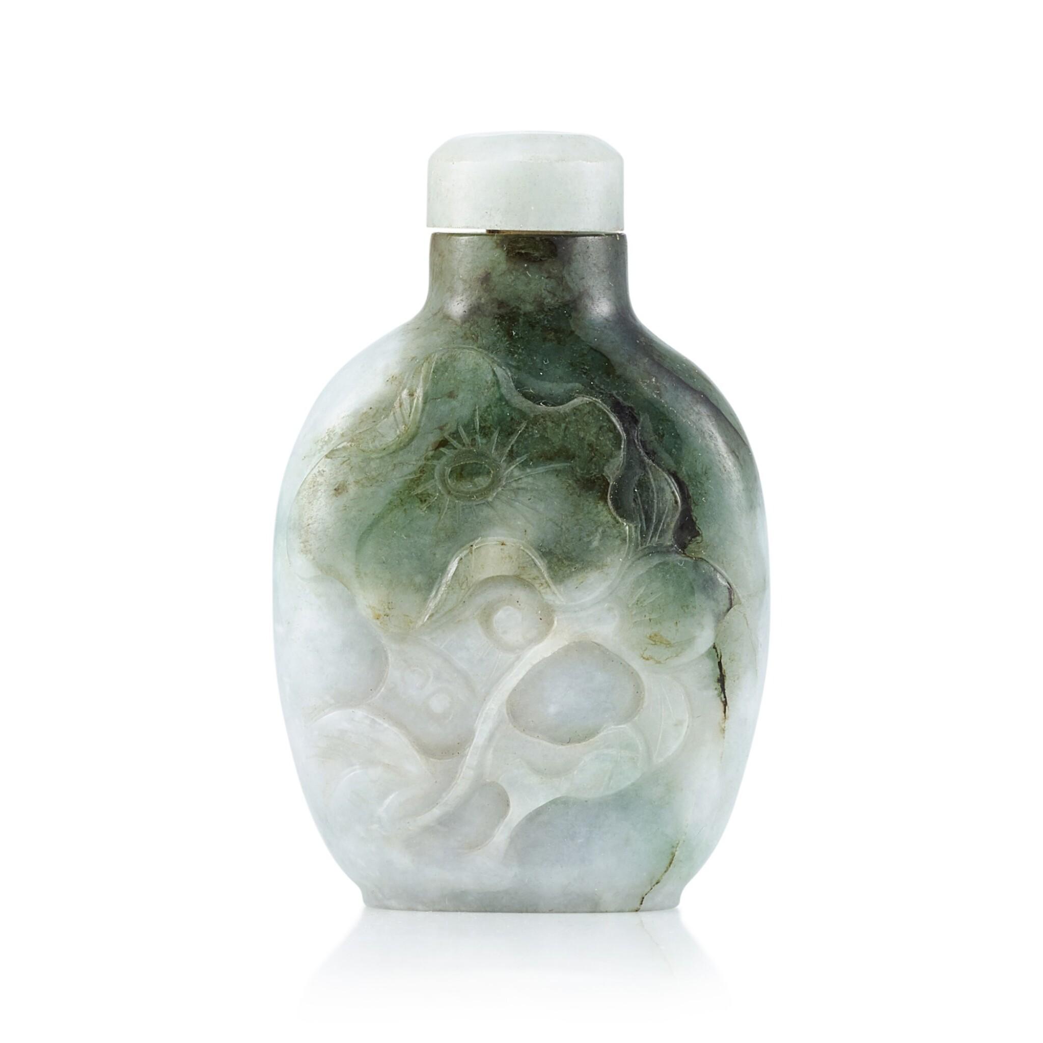 View full screen - View 1 of Lot 3069. A Jadeite 'Fish and Lotus' Snuff Bottle Qing Dynasty, 19th Century | 清十九世紀 翡翠魚藻圖鼻煙壺.