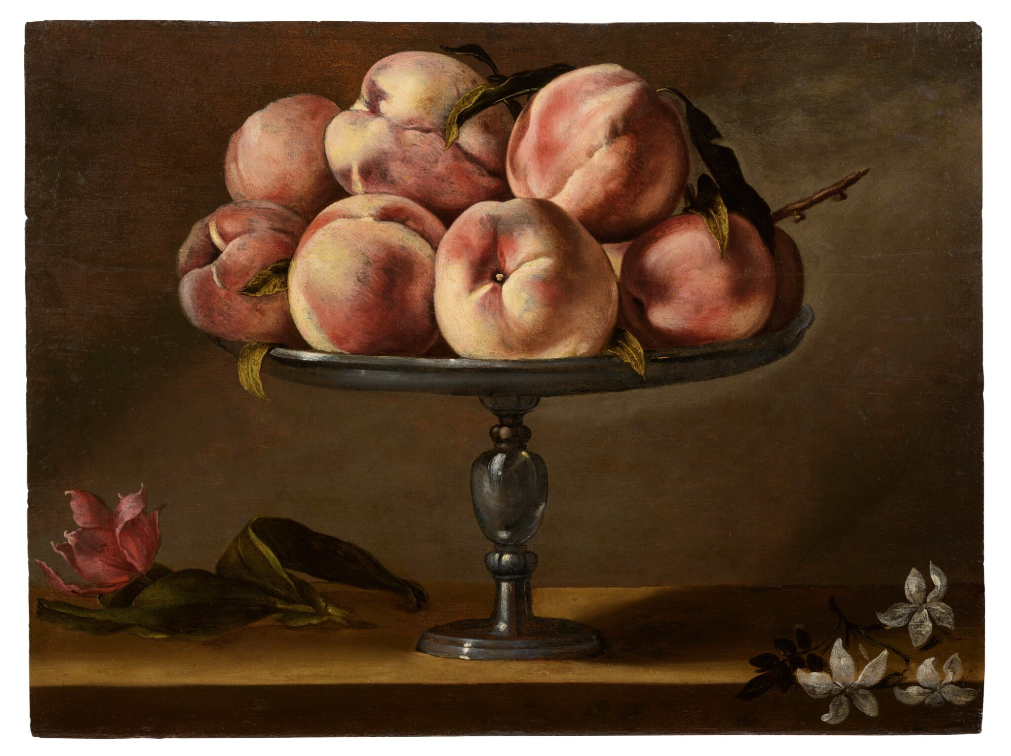 View full screen - View 1 of Lot 40. Still life of peaches on a fruit stand with jasmine flowers and a tulip | 《靜物:果盤上的水蜜桃、茉莉花與鬱金香》.