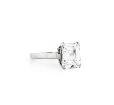 View 3. Thumbnail of Lot 181. Bague diamant   Diamond ring.