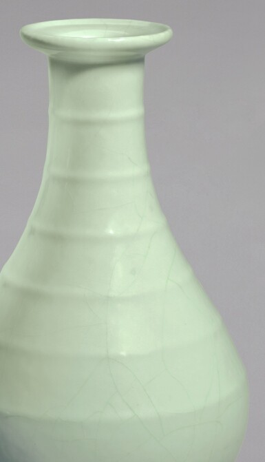 View 2. Thumbnail of Lot 4. A FINE AND RARE GUAN-TYPE RIBBED VASE, YONGZHENG SEAL MARK AND PERIOD   清雍正 仿官釉弦紋盤口瓶 《大清雍正年製》款.