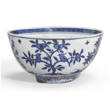 A RARE DATED BLUE AND WHITE 'BIRDS' BOWL, JIAJING MARK AND PERIOD, DATED BINGYIN YEAR, CORRESPONDING TO 1566