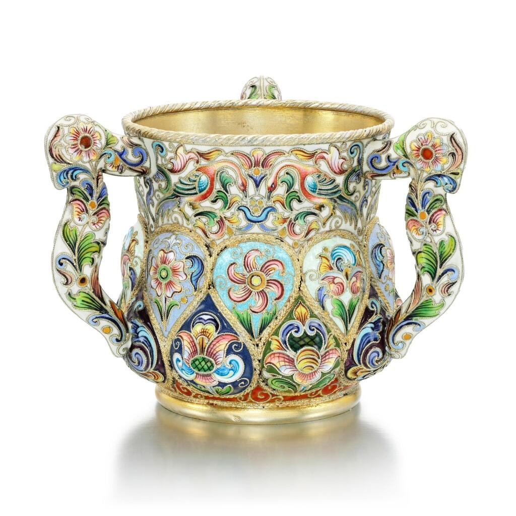 A SILVER-GILT AND CLOISONNÉ ENAMEL THREE-HANDLED CUP, FEODOR RÜCKERT, MOSCOW, 1899-1908