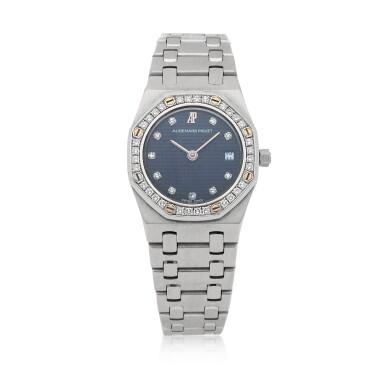 View 1. Thumbnail of Lot 506. Royal Oak White gold and diamond-set wristwatch with date and bracelet Circa 1995 | 愛彼 「Royal Oak」白金鑲鑽石鍊帶腕錶備日期顯示,年份約1995.