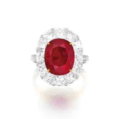 View 2. Thumbnail of Lot 1743. DESIGNED AND MOUNTED BY FORMS | AN EXCEPTIONAL RUBY AND DIAMOND RING | Forms 設計及鑲嵌 | 非常珍罕 6.41卡拉 天然「緬甸鴿血紅」未經加熱紅寶石 配 鑽石 戒指 戒指.