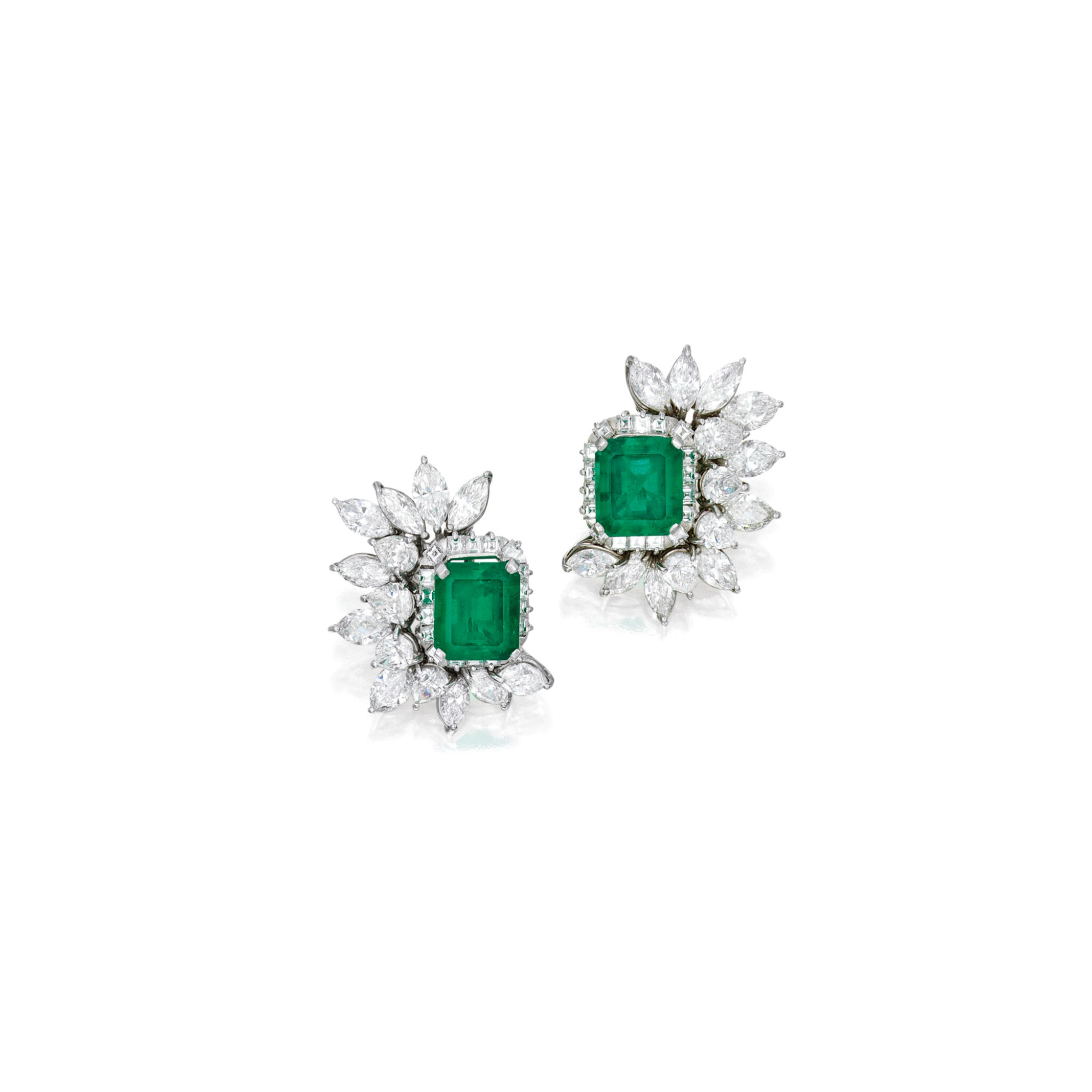 View full screen - View 1 of Lot 550. PAIR OF EMERALD AND DIAMOND EARCLIPS | 祖母綠配鑽石耳環一對.