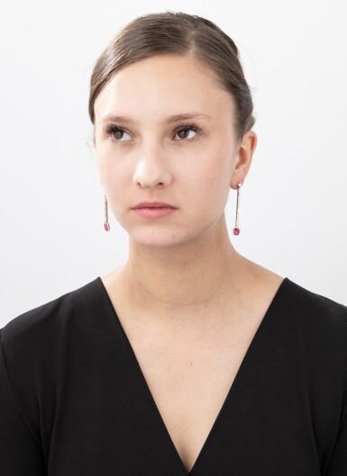 Pair of spinel and diamond earrings [Paire de boucles d'oreilles spinelles et diamants]