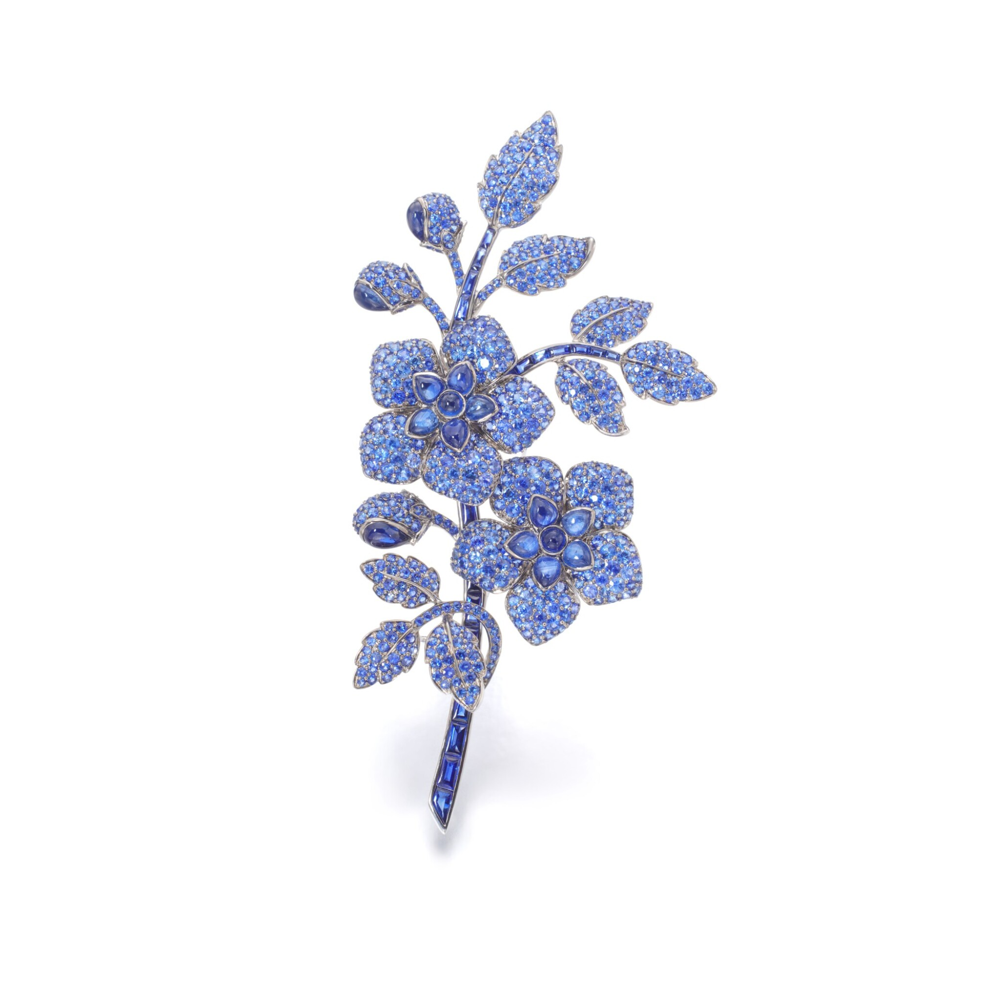 View full screen - View 1 of Lot 91. Sapphire brooch.