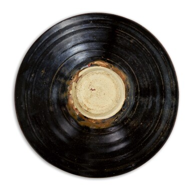 View 2. Thumbnail of Lot 109. A SUPERB JIZHOU BLACK-GLAZED 'LEAF' BOWL SOUTHERN SONG DYNASTY | 南宋 吉州窰黑釉木葉天目茶盞.