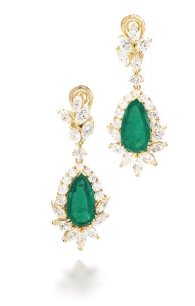 View 1. Thumbnail of Lot 703. Pair of emerald and diamond pendent earrings | 祖母綠配鑽石耳墜一對.
