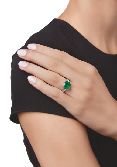 EMERALD AND DIAMOND RING, GILLOT & CO.   祖母綠配鑽石戒指,Gillot & Co.