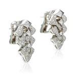 PAIR OF DIAMOND PENDENT EARRINGS, BULGARI | 鑽石吊耳環一對, 寶格麗 ( Bulgari )