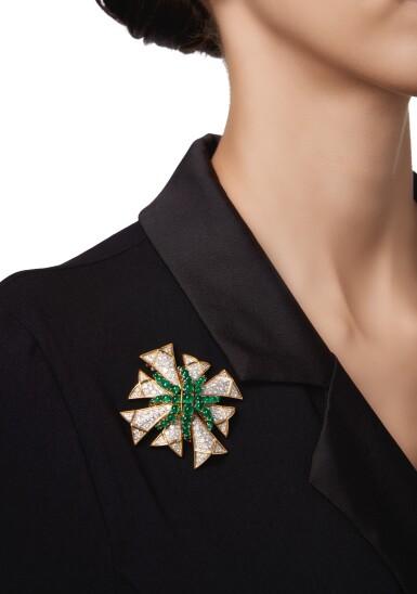 EMERALD AND DIAMOND CLIP-BROOCH, VERDURA | 祖母綠配鑽石別針,Verdura