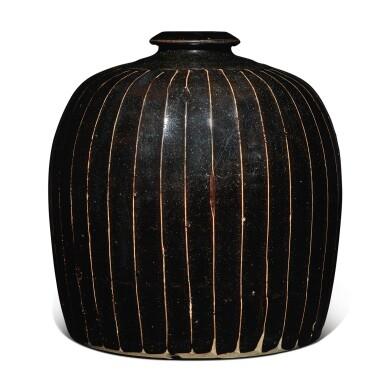 View 2. Thumbnail of Lot 128. A black-glazed 'ribbed' 'tulu' vase, Northern Song / Jin dynasty | 北宋 / 金 黑釉棱線紋小口瓶.