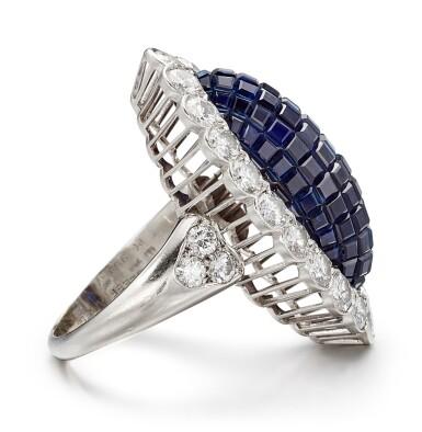View 3. Thumbnail of Lot 1601. VAN CLEEF & ARPELS | SAPPHIRE AND DIAMOND RING | 梵克雅寶 | 藍寶石 配 鑽石 戒指.