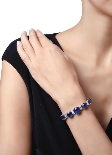 View 2. Thumbnail of Lot 433. SAPPHIRE AND DIAMOND BRACELET | 藍寶石配鑽石手鏈.