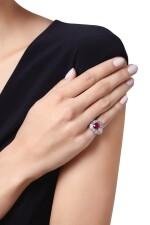 RUBY AND DIAMOND RING   紅寶石配鑽石戒指