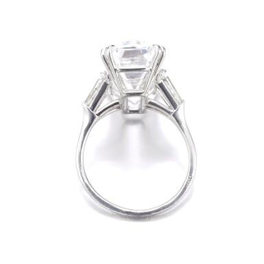 View 3. Thumbnail of Lot 200. HARRY WINSTON [海瑞溫斯頓]   FINE DIAMOND RING, 1968 [鑽石戒指,1968年].