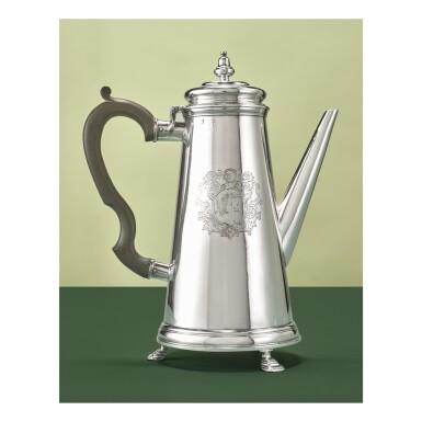 AN UNUSUAL IRISH SILVER FOOTED COFFEE POT, ROBERT CALDERWOOD, DUBLIN, 1728