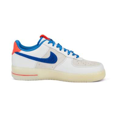 View 9. Thumbnail of Lot 8212. Air Force 1 Supreme Quickstrike 'Year of the Rabbit', 2011    兔年款球鞋,2011年.