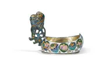 A small Fabergé silver and cloisonné enamel kovsh, probably by workmaster Feodor Rückert, Moscow, 1908-1917